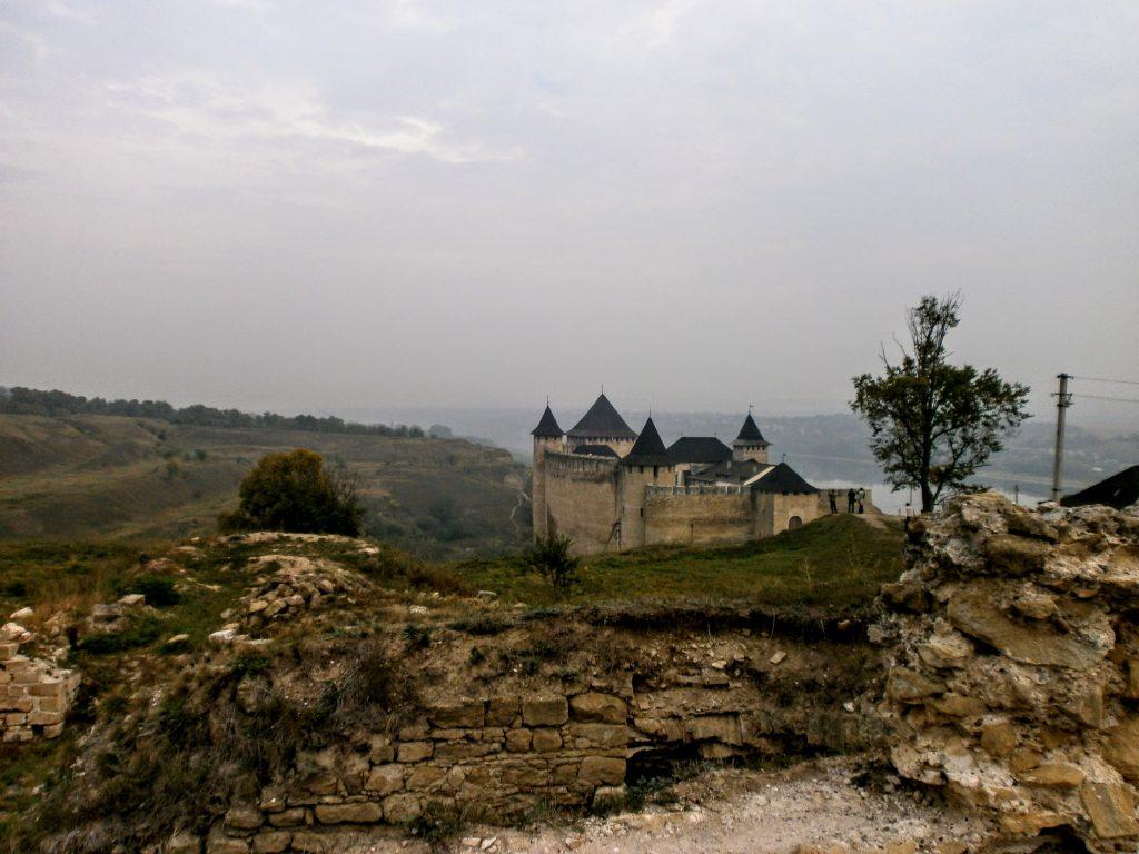 Мур і фортеця у Хотині