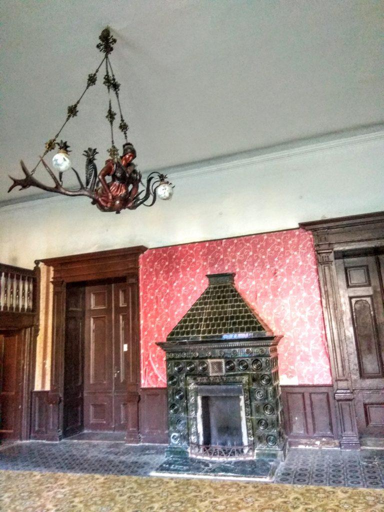 Зала у приміщенні замку