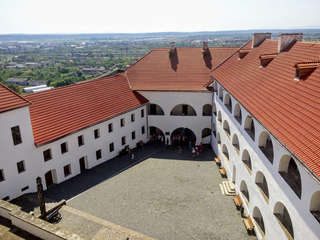 Будівлі замку