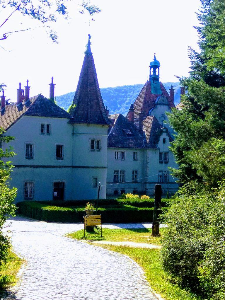 Замок_вхід