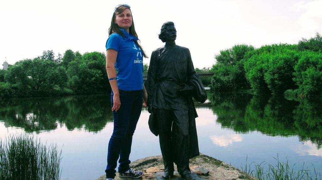 Пам'ятник Горькому у Буках